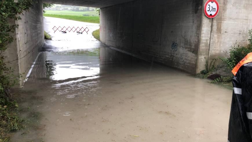 Überflutung Unterführung Industriezone